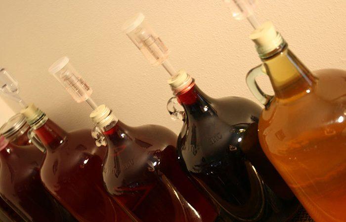 Лучшее Домашнее вино из никому не нужного старого ягодного варенья!