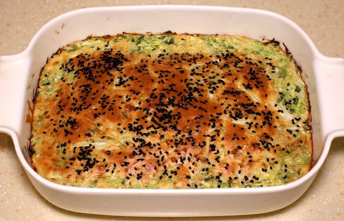 Вкуснятина из молодой капусты. Капустный пирог. Съедается до последней крошки.