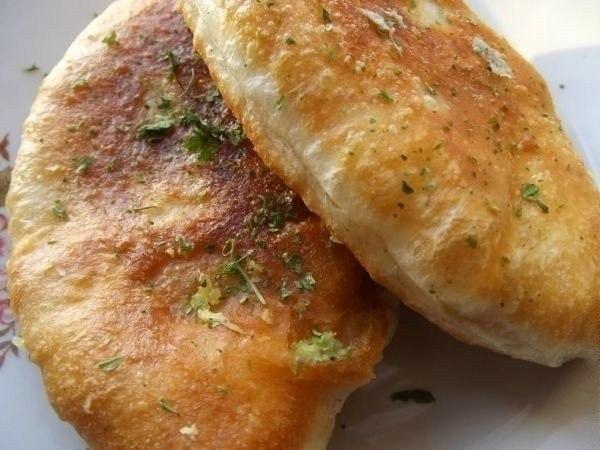 Воздушные жареные пирожки с картошкой: записывай рецепт!